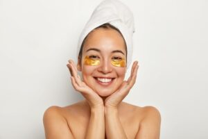 Eye dark circle removal and facial in Golden Pulse Cosmetic Center Richmond Hill
